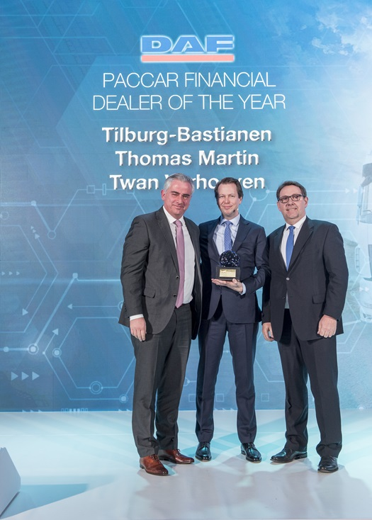 PACCAR-Financial-Dealer-of-the-Year-2019